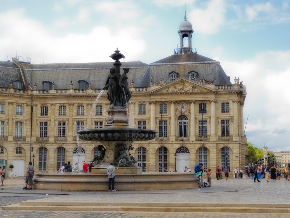 Bordeaux 16 - place de la bourse.jpg
